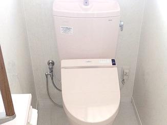 トイレリフォーム キレイを保つ素材で仕上げたお掃除ラクラクトイレ