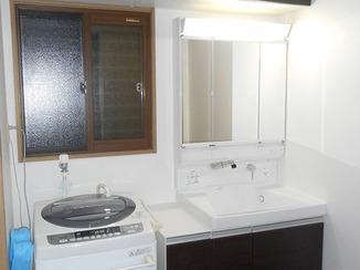 洗面リフォーム 収納が2倍3倍に!小回りのきく奥様理想の洗面台