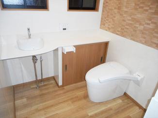 トイレリフォーム もう臭わない!清掃性・機能性が高くハイクオリティなトイレ